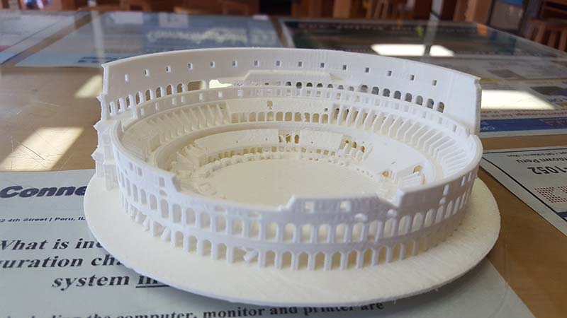Makerbot Monday replica of colosseum in rome